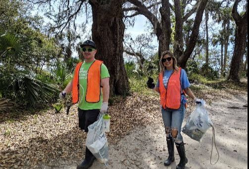 Daniel Island Cleanup Volunteers